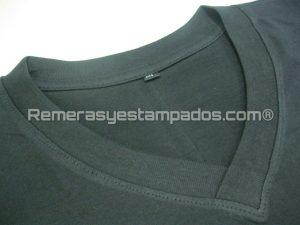 Remera negra cuello V premium remerasyestampados.com